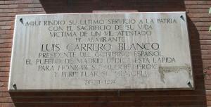 Placa en memoria de Luis Carrero Blanco