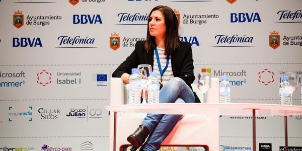 Isabel Llano, Isasaweis, en iRedes.